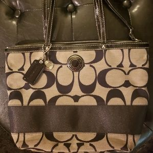 *** ABSOLUTELY GORGEOUS COACH TOTE***